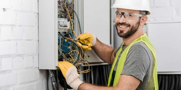 Call-our-experienced-electricians-for-electrical-panel-services